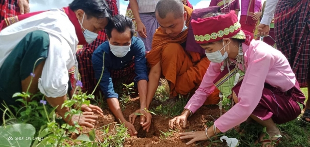 Asho Chin planting trees in Myanmar amid the COVID-19 pandemic (POINT)